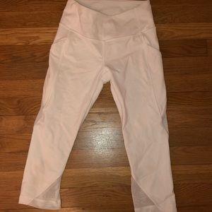 Lululemon white capris with pockets never worn